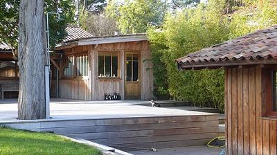 Le cap ferret rendez vous des stars cet t magazine cheval monchval ma - Maison en bois arcachon ...