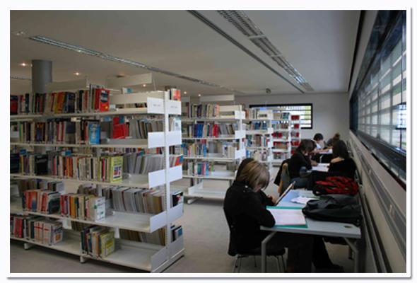 Une bibliothèque universitaire