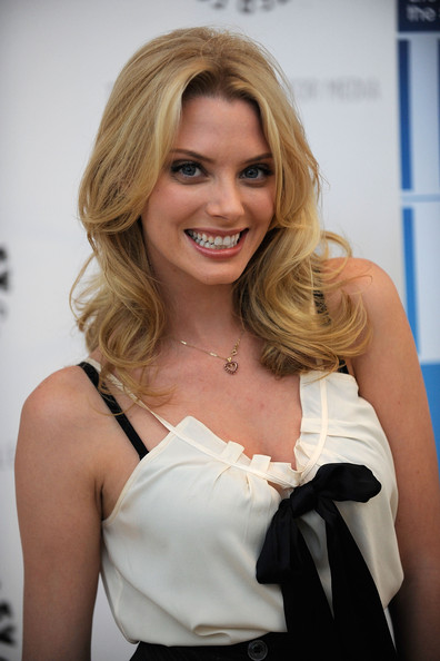 april bowlby qui joue stacy dans drop dead diva
