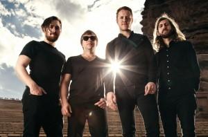 Il s'agit des quatre membres qui forment actuellement Imagine Dragons.