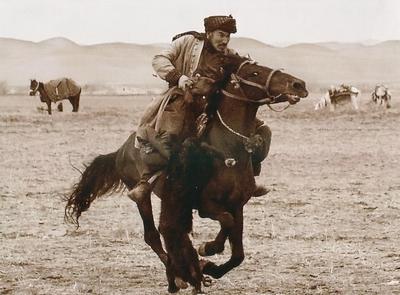 jeu du bouzkachi afghan, ancêtre du horse ball