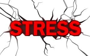 Une cause possible de somnambulisme est le stress