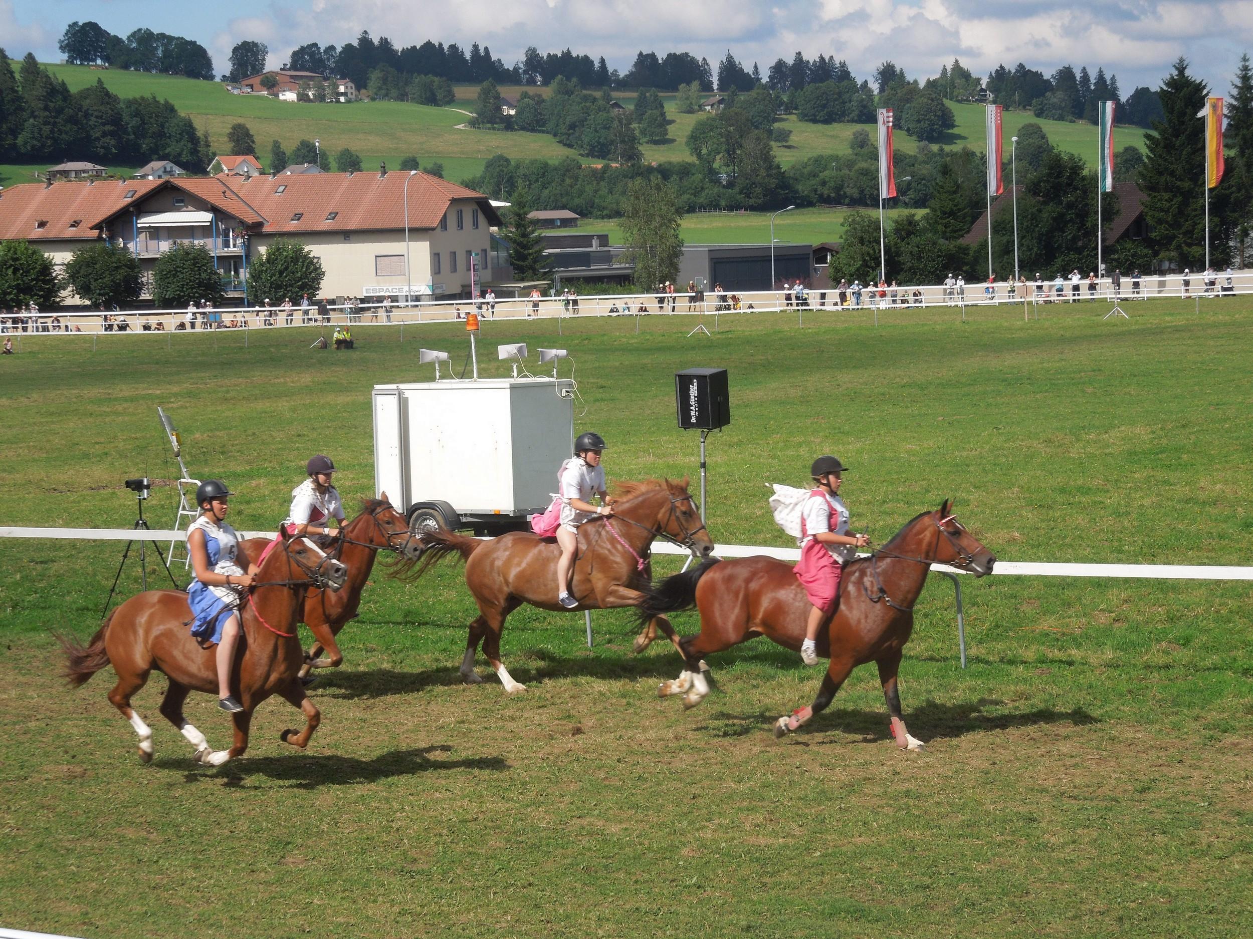course jeunes filles Saignelégier 2