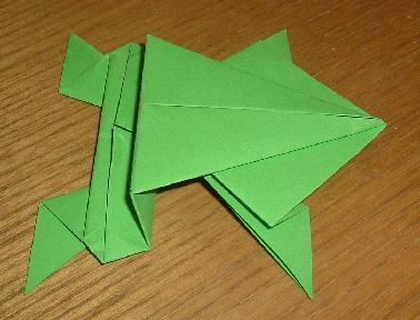 Origami connu de la grenouille