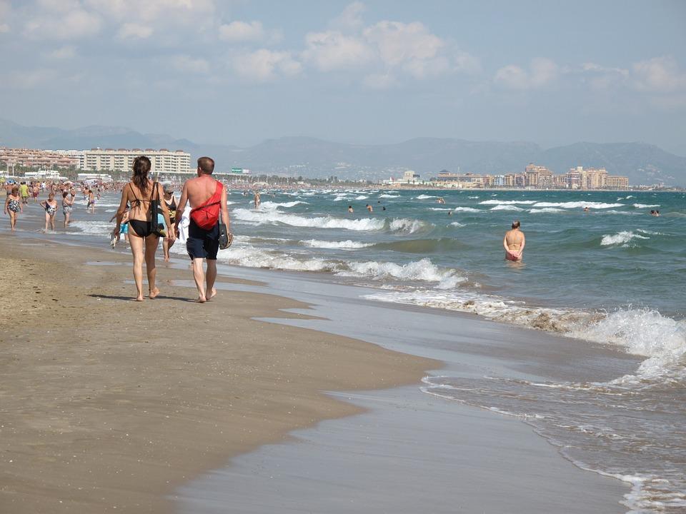 Les 6 touristes qu'on croise sur la Côte d'Azur en été
