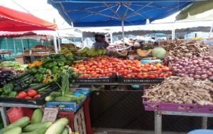 Visiter un marché forrain à la Réunion