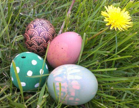 Sélection d'idées DIY pour des œufs de Pâques décorés