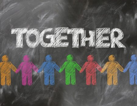 4 façons d'aider les autres