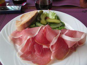 La charcuterie est une spécialité culinaire d'Auvergne