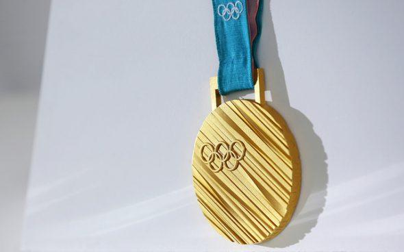 Photographie d'une médaille d'or aux jeux olympiques de Pyeongchang 2018