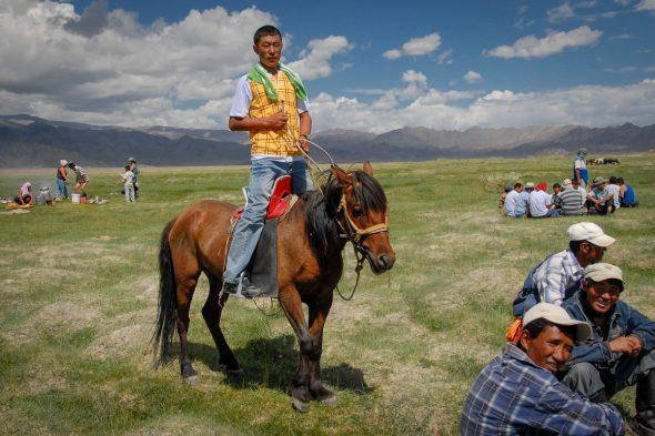 Un cavalier trop grand ou trop gros peut causer des problèmes à son cheval