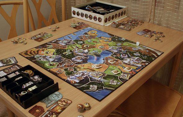 plateau de jeu Small World