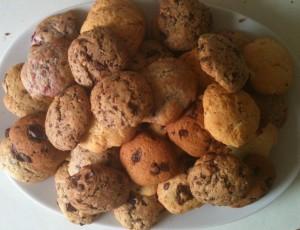 Assiette avec différents cookies