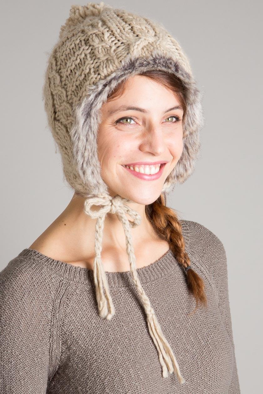 bonnet avec attaches pour protéger les oreilles disponible chez bonobo