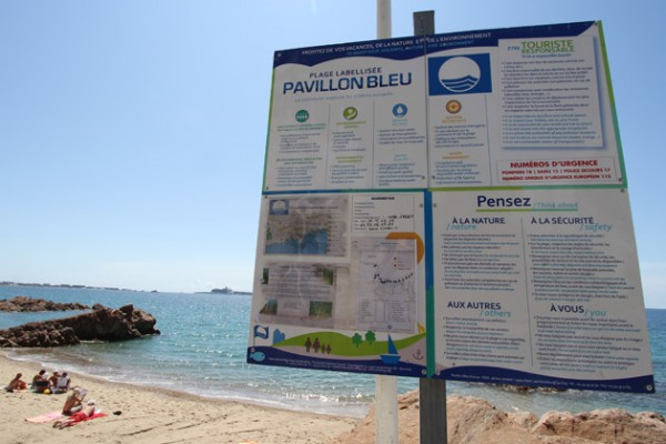 Panneau sensibilisation Pavillons Bleus