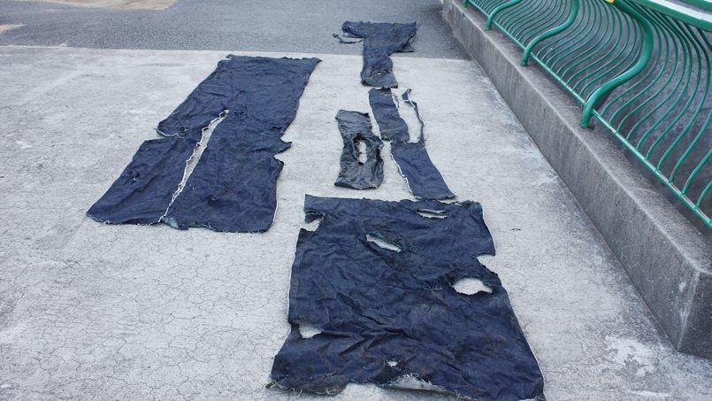 morceaux de jeans