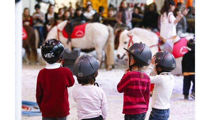 village des enfants salon du cheval 2014
