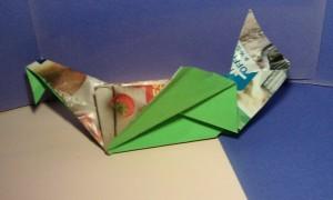 Oiseau en origami avec la technique du contrecollé