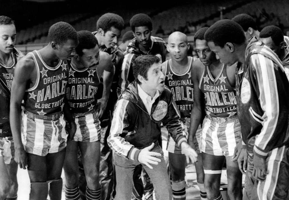 Photo des anciens Harlem Globetrotters en noir et blanc