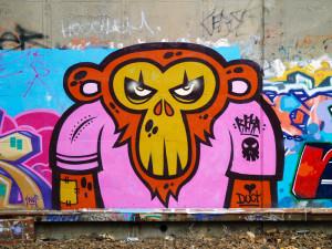 L'artiste de rue est REKA ONE