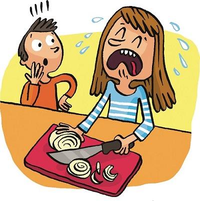 Pourquoi couper des oignons fait-il pleurer et comment y remédier ?
