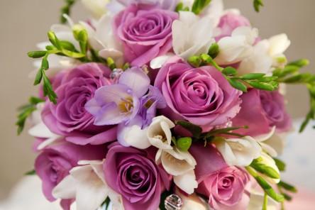 bouquet fleurs couleur pâle